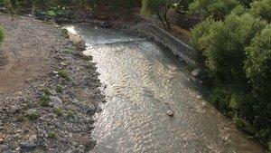3 yaşındaki oğlunu nehre attı!