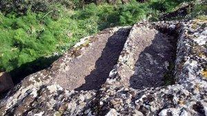4 bin yıllık kaya mezarları matkaplarla talan edildi