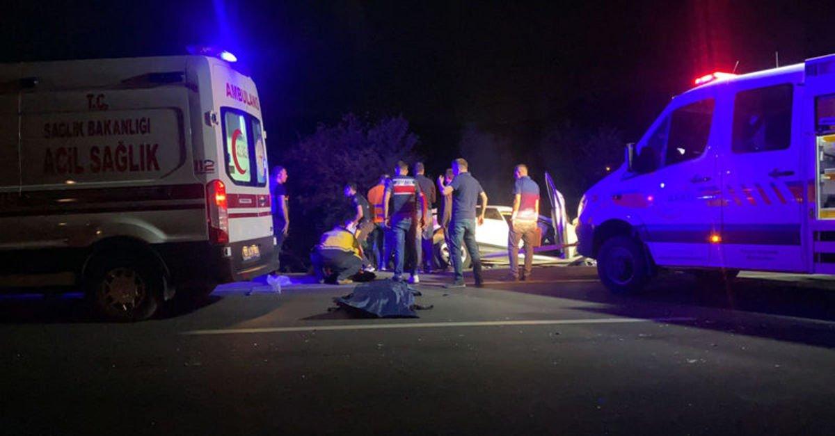 5 araç birbirine girdi, 2'si çocuk 4 kişi öldü!