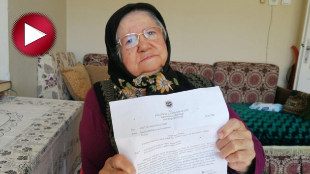 81 yaşındaki Ayşe Özer'i 40 yıl önce vakfettiği evinden kovuyorlar