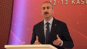 Adalet Bakanı Gül'den 'tutuksuz yargılama' açıklaması