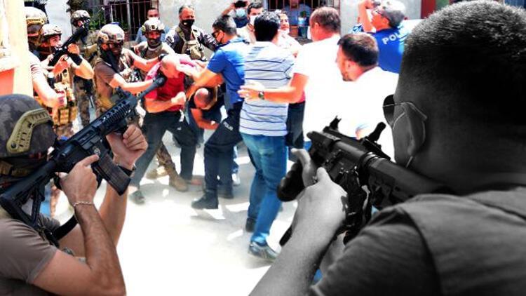 Adana'da ortalık bir anda karıştı! Özel harekat da geldi... Linç etmek istediler