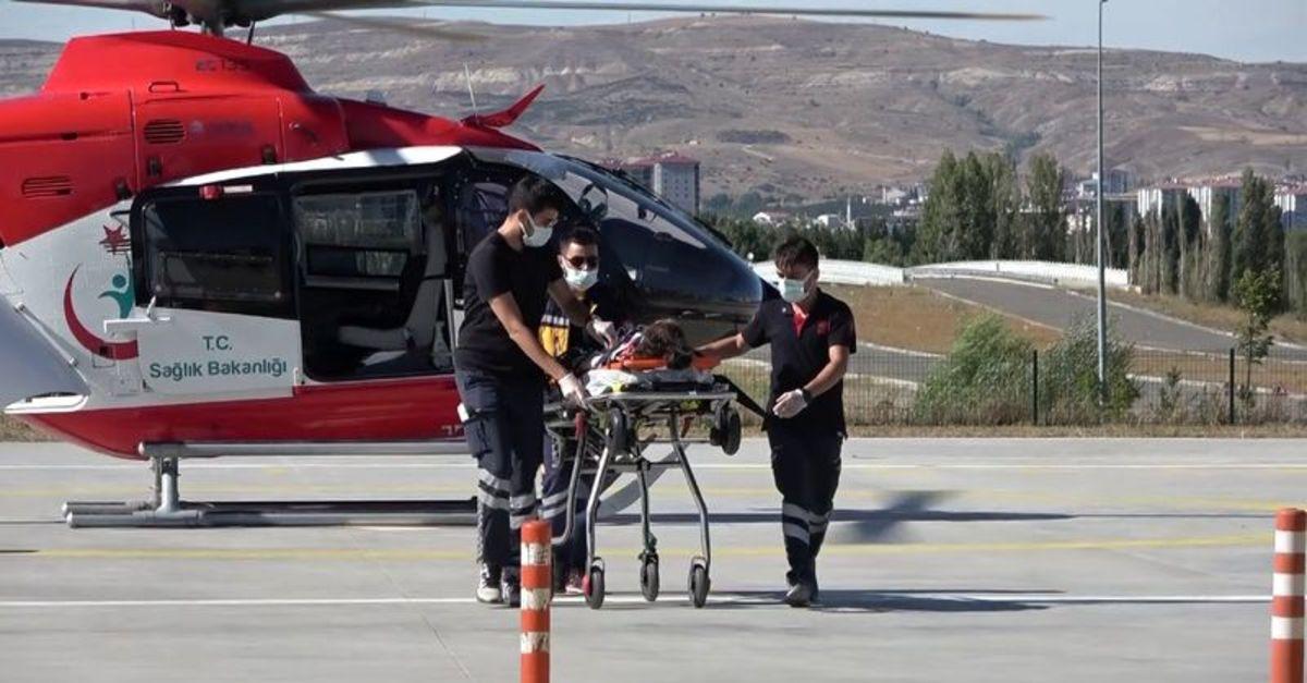 Ambulans helikopter 5 yaşındaki çocuk için havalandı
