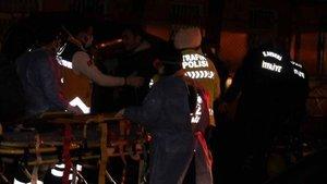 Ambulans ile hafif ticari araç çarpıştı: 8 yaralı