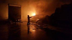 Ankara'da korkutan depo yangını
