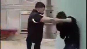 Aşağılık adam bir engelli genci daha dövmüş!