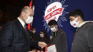 Bakan Soylu'dan 160 çocukla anlamlı buluşma