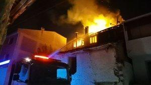 Bursa'da korkutan yangın! Son anda kurtarıldı