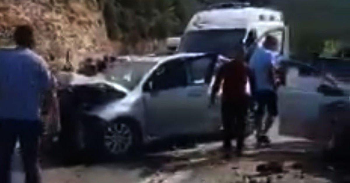 Gaziantep'te iki otomobil çarpıştı: 8 yaralı