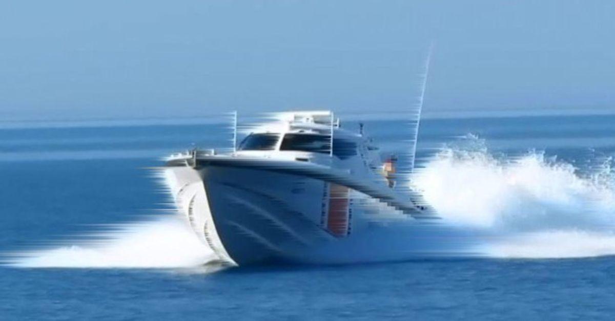 Genç kadın sürat teknesi kurbanı oldu