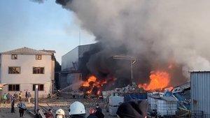 Geri dönüşüm fabrikasında yangın!