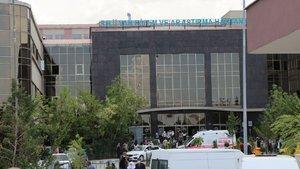 Hastanede ikisi doktor 6 kişiye saldırdı!