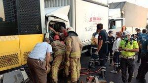 İETT otobüsüne arkadan çarptı: 2 yaralı!