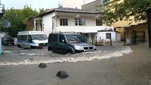 İstanbul'da sağanak etkili oluyor!