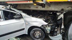İzmir'de zincirleme kaza! 9 araç, 10 yaralı