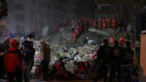 İzmir'deki arama kurtarma çalışmalarının bu gece bitirilmesi planlanıyor