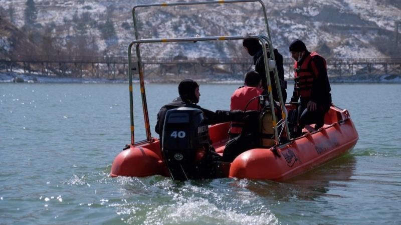 Konya İtfaiyesi Su Altı Arama ve Kurtarma ekibi dondurucu soğukta tatbikat yapıyor