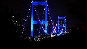 Köprüler maviyle aydınlatıldı