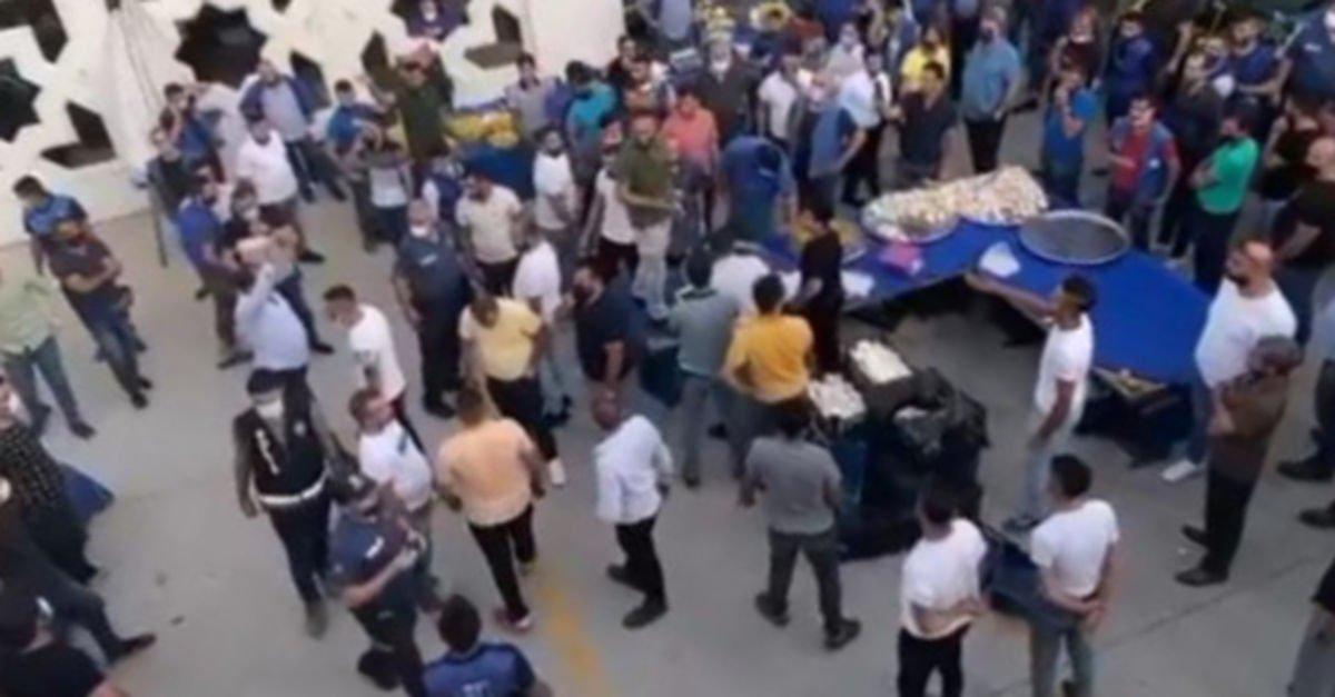 Pazar yerinde 'ezik şeftali' kavgası: 4 yaralı, 13 gözaltı