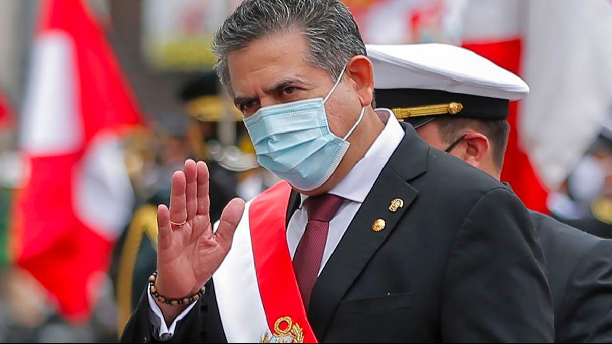 Peru'da geçici devlet başkanlığı görevine gelen Merino istifa ettiğini duyurdu