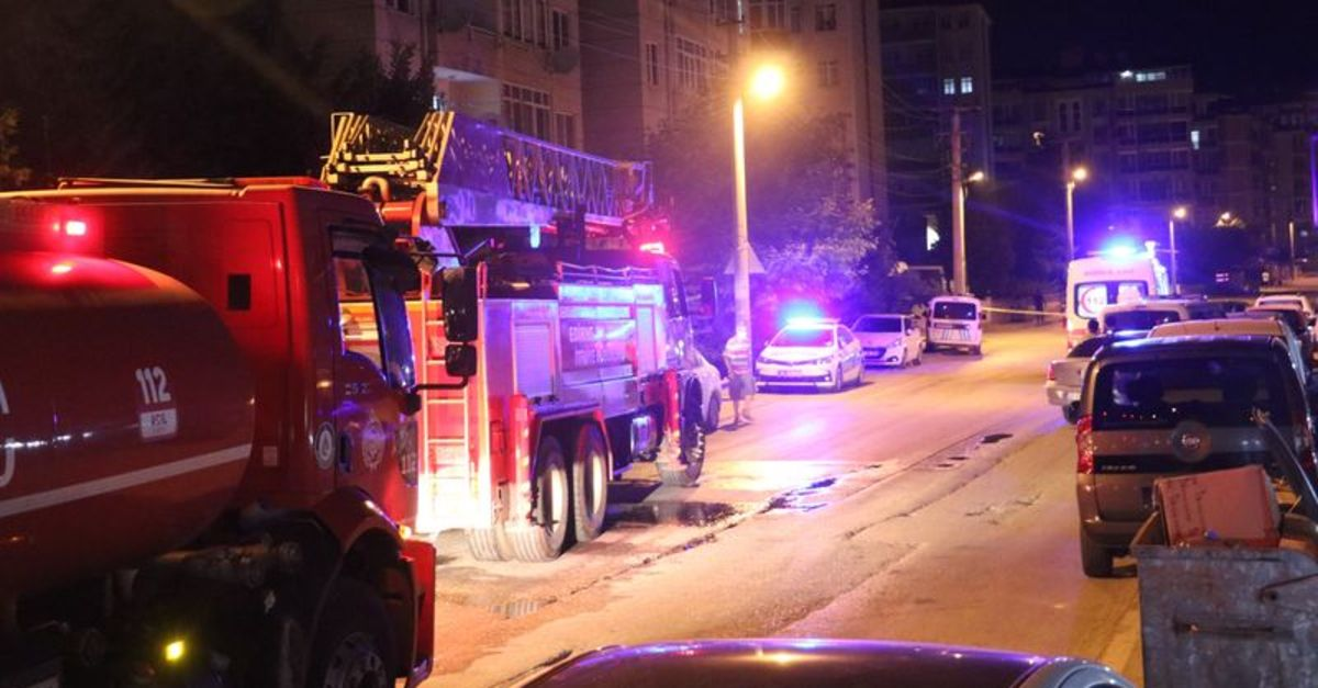 Sitede yangın paniği: 50 kişi tahliye edildi