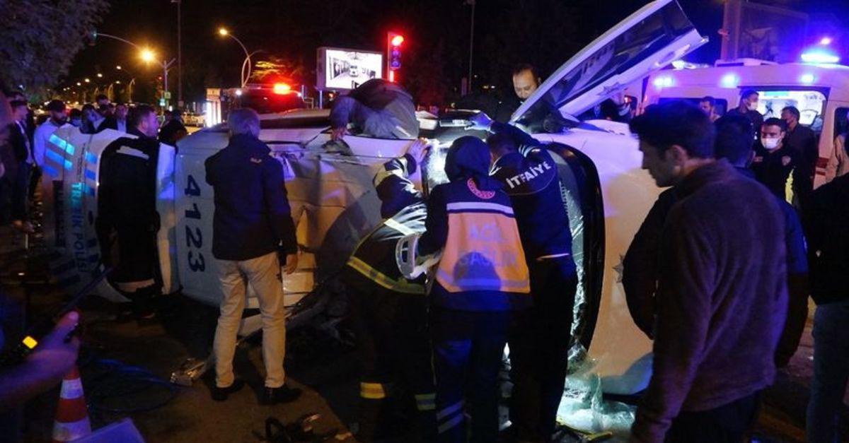 Şüpheli aracı kovalayan polis ekibi kaza yaptı: 2 yaralı