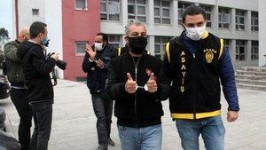 Yer: Adana! Gazetecilere böyle poz verdiler