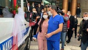Ambulans gelin arabası oldu! Düğüne böyle gittiler!