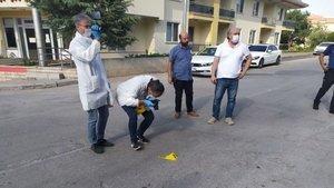 Araması olan saldırgan polisin ayağını kırdı!
