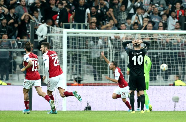 Beşiktaşlı taraftarlardan Oğuzhan Özyakup'a sert tepki