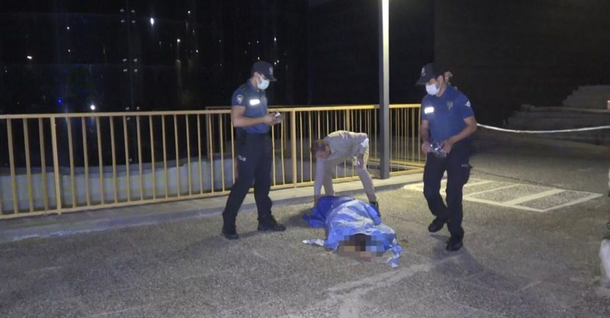 Bursa'da parkta yürüyen vatandaşlar cansız beden buldu