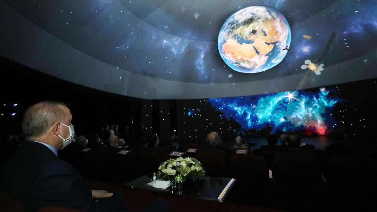 Dünya Türkiye'nin uzay hamlesini konuşuyor! Çarpıcı yorum