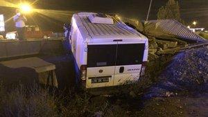 Filyasyon ekibi kaza yaptı! Doktor ve sağlık çalışanı yaralandı