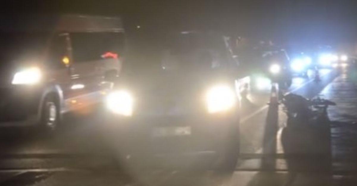 Hafif ticari araç, motosikletle çarpıştı: 1 ölü