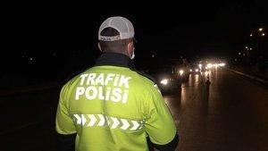 Hafta sonu trafik yoğunluğu: Binlerce kişi yollara akın etti