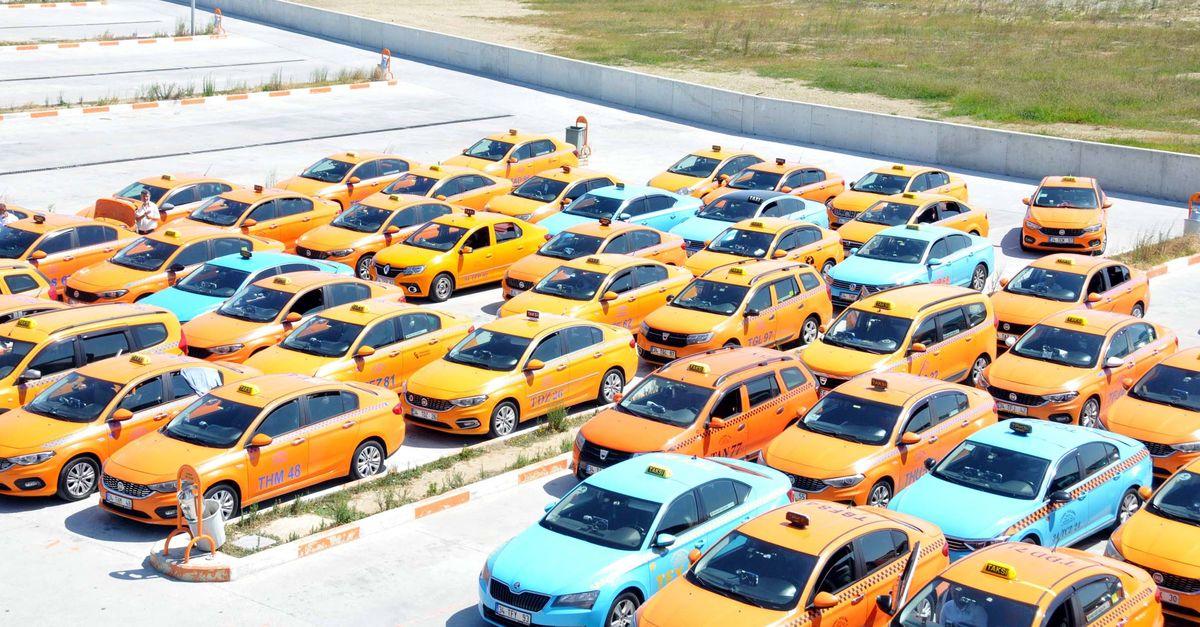 Havalimanında 300 taksi yine bağlandı