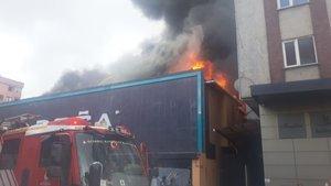 İstanbul'da mobilya fabrikasında yangın!