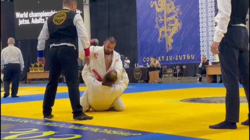 Kıbrıs MMA Sporunun Efsane İsmi Özper Özorun Yeni Maçlara Hazırlanıyor
