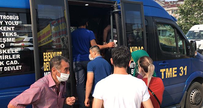 Minibüslerde yine sosyal mesafesiz yolculuk, 12 yerine 37 yolcu çıktı