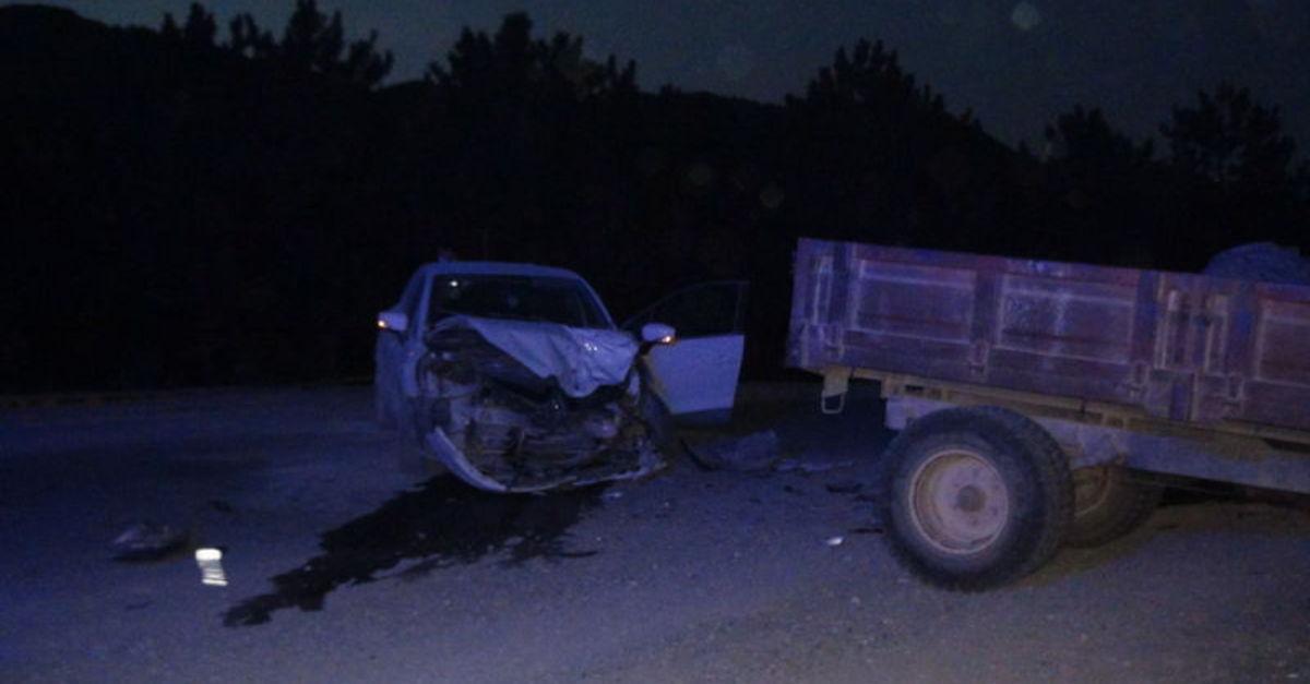 Otomobil ile traktör çarpıştı: 1 ölü, 1 yaralı