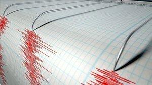 Son depremler! Ege denizinde korkutan deprem!