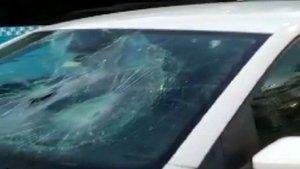 Trafikte kadına saldırı anı kamerada!